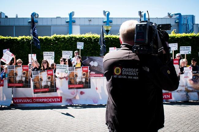 Veel media aandacht voor de proefdieren