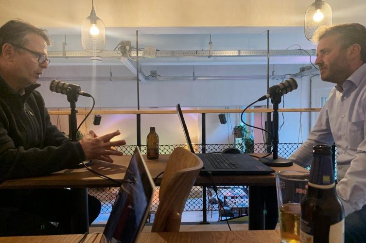 Marco van Duijn in gesprek met onze host Jan ten Cate.